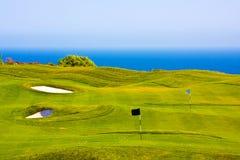 在海运的域高尔夫球 免版税库存照片