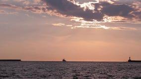 在海运的日落 端口 船 股票视频