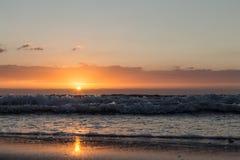 在海运的日落 免版税图库摄影