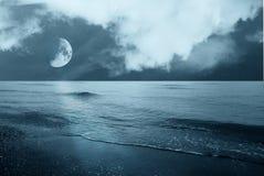 在海运的月亮 库存照片