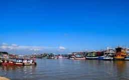 在海运的渔船 免版税库存照片