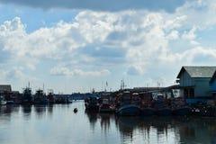 在海运的渔船 库存图片