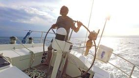 在海运的风船 股票录像
