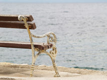 在海运(2)的长凳 库存图片
