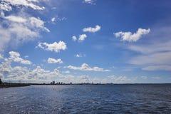 在海运somethere塔林附近的波儿地克的爱沙尼亚 免版税图库摄影