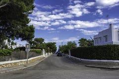在海附近的狭窄的街道Cala d `的或,马略卡 库存照片