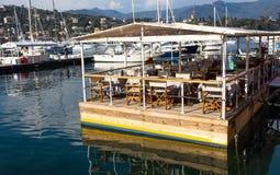 在海,热那亚的餐馆省,旅游地方在里维埃拉Ligure,地中海,意大利 图库摄影