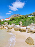 在海滩上的假期房子 免版税库存图片
