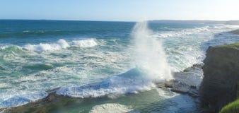 在海洋浴上的波浪 图库摄影