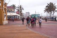 在海滩前的阴暗湿下午在德班南非 免版税库存照片