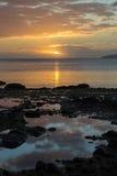在海洋海岸天空斐济的日落 免版税库存照片