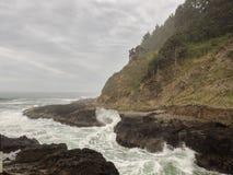 在海洋海岸线的波浪 库存照片