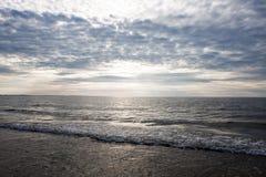 在海洋/海的日落 免版税库存图片
