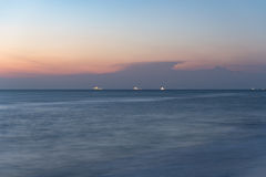 在海洋海滩的日出 库存照片