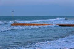 在海滩的Еarly早晨在Lido di Jesolo,亚得里亚海,意大利 免版税库存照片