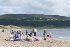 在海滩的一天在威尔士 免版税库存照片