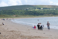 在海滩的一天在威尔士 免版税库存图片