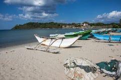 在海滩的一条小船斯里兰卡 库存照片