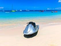 在海滩的一辆水摩托车海 库存照片