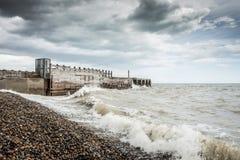 在海滩的一风暴日 免版税图库摄影