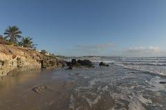 在海滩的五颜六色的日出 库存图片