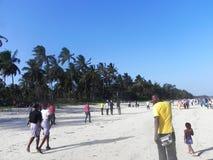 在海滩的假日乐趣印度洋蒙巴萨 库存照片
