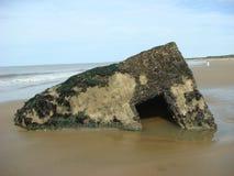 在海滩的具体地堡 免版税库存图片