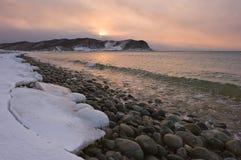 在海洋的冬天早晨 图库摄影