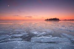 在海洋的冬天早晨 库存照片