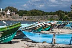 在海滩的几条小船斯里兰卡 免版税图库摄影