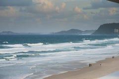 在海滩的前光 库存图片