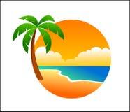 在海滩的商标棕榈 免版税库存照片