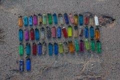 在海滩02的塑料垃圾 免版税库存图片