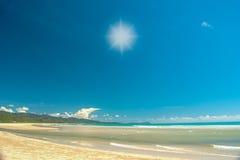 在海滩的太阳光 库存照片