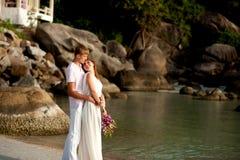 在海滩的夫妇 库存照片