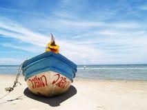 在海滩01的小船 库存图片