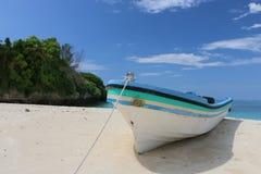 在海滩的小船 库存图片