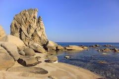 在海滨的岩石 免版税库存图片