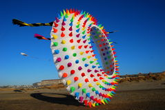 在海滩的巨型风筝在林肯城 免版税图库摄影