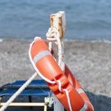 在海滩的救护设备 免版税库存照片