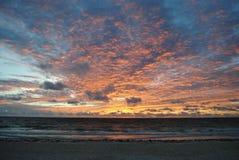 在海洋的日出在Tulum,墨西哥 库存图片