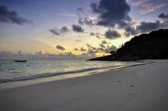 在海滩的日出, Similan海岛,泰国 图库摄影