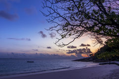在海滩的日出, Similan海岛,泰国 库存图片