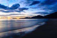 在海滩的日出 库存照片