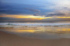在海洋的日出 库存图片