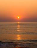 在海洋的日出 免版税图库摄影