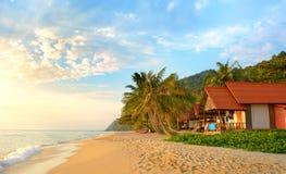 在海滩的日落。酸值张, 免版税库存照片