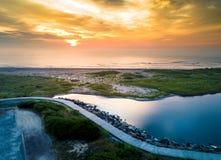 在海洋的日落在Wildwood,新泽西天线 库存照片