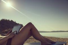 在海滩的日 免版税库存图片