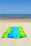 在海滩的毛巾 免版税图库摄影